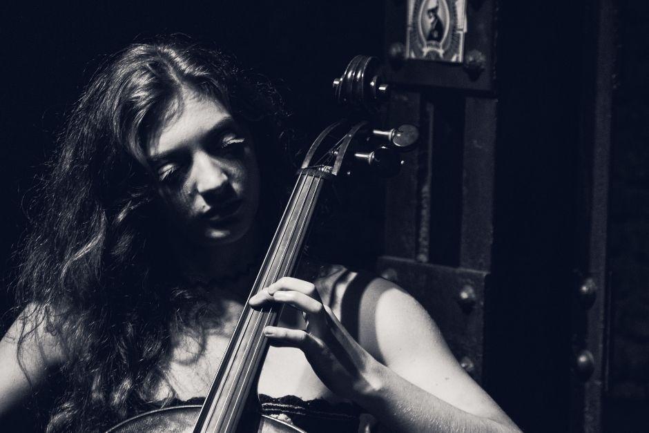 Jackie O Cello