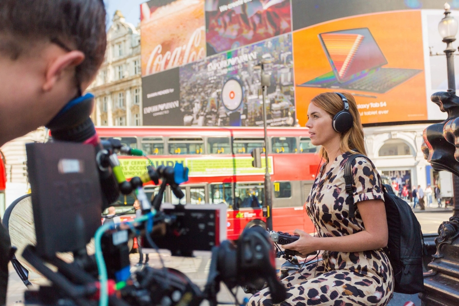 Carly Foxx Explora La Música Del Mundo En City Beats