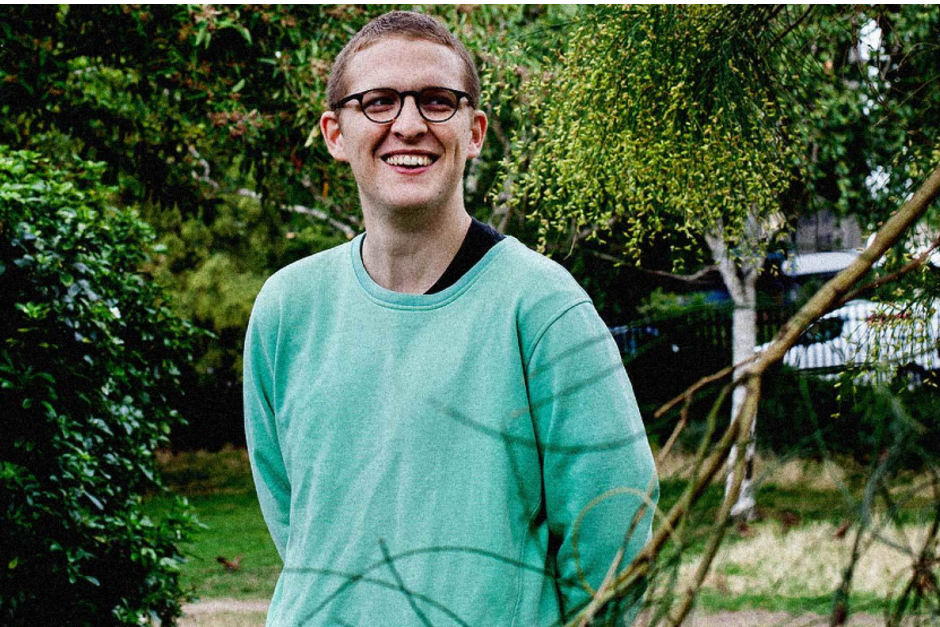 Floating Points Compartió Video De 'Anasickmodular'