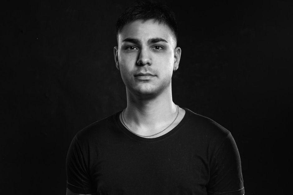 """Juan Elvadin: """"Tener El Apoyo De Los Mejores Artistas De La Escena Es Una Motivación Que No Se Puede Explicar"""""""