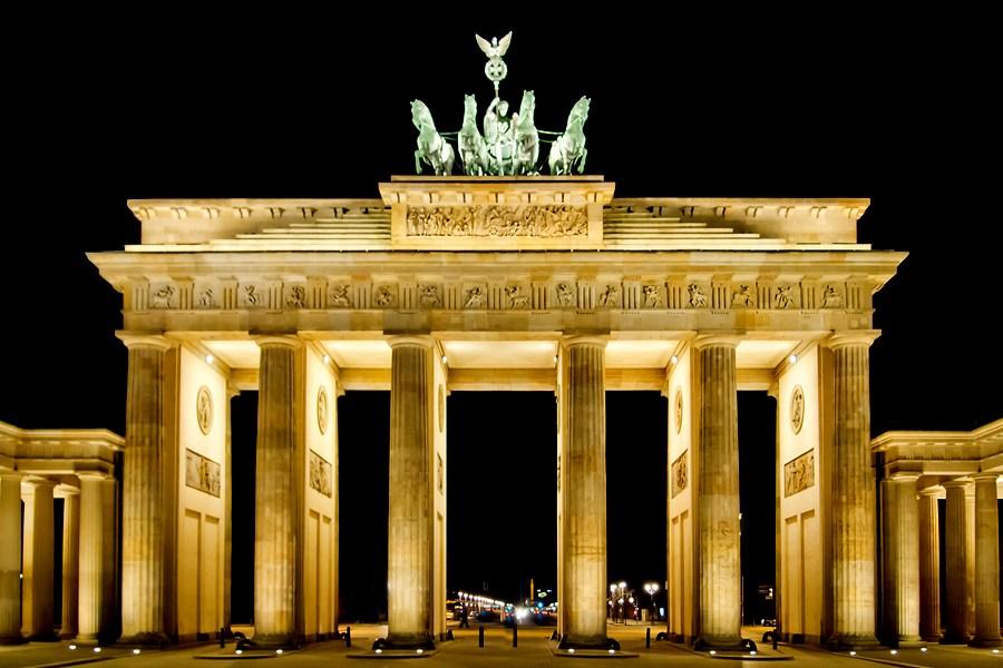 Clubes De Berlín Estarán Cerrados Hasta El 20 De Abril