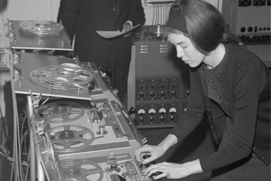 """""""Sisters With Transistors"""", Un Documental Sobre Las Pioneras De La Música Electrónica"""