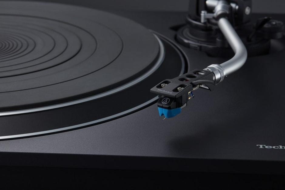 """Technics Anuncia El Nuevo Tocadiscos SL-100C De """"bajo Costo"""""""